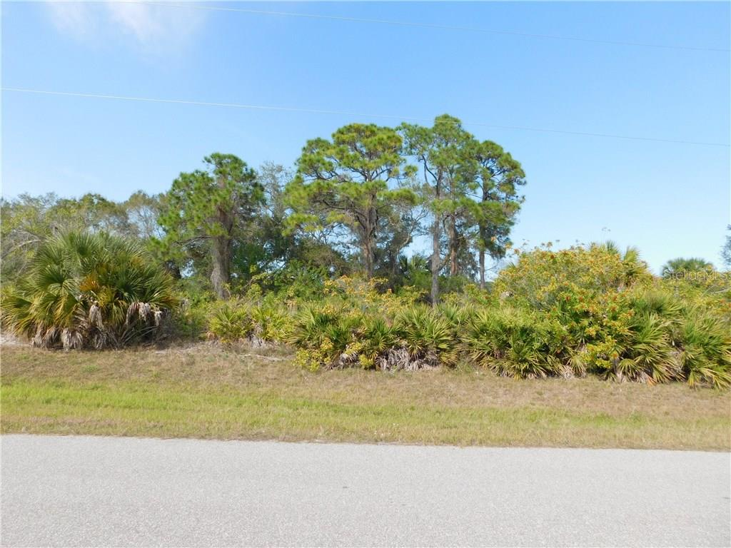 Vacant Land for sale at 242 Baytree Dr, Rotonda West, FL 33947 - MLS Number is D5916362
