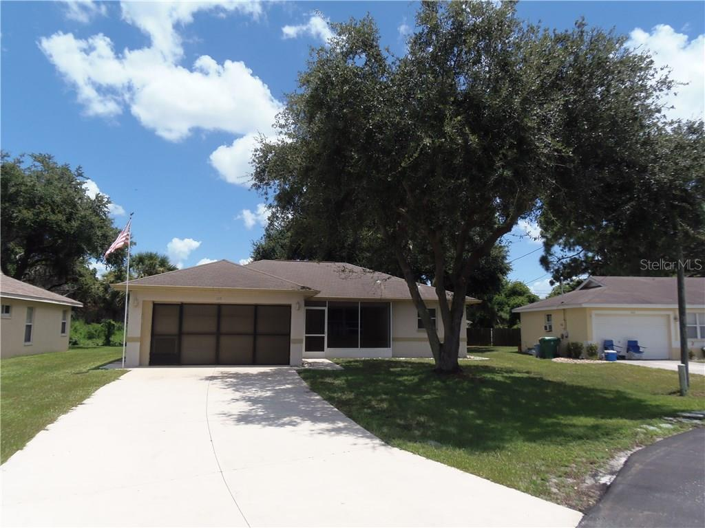 Single Family Home for sale at 105 Sidney Ct, Rotonda West, FL 33947 - MLS Number is D5919726