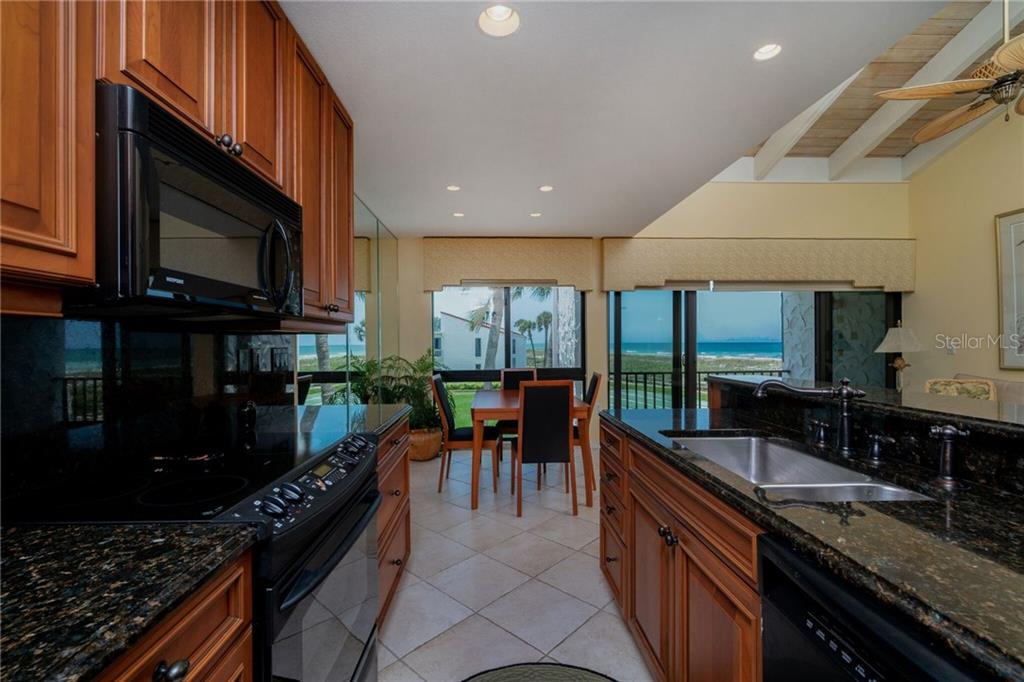 Beautiful Kitchen - Condo for sale at 500 Park Blvd S #57, Venice, FL 34285 - MLS Number is D6100773