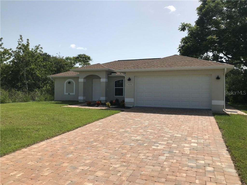 Single Family Home for sale at 7050 Sunnybrook Blvd, Englewood, FL 34224 - MLS Number is D6101849