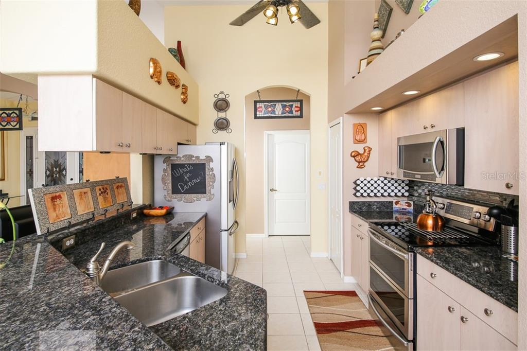 KITCHEN - Single Family Home for sale at 2924 Phoenix Palm Ter, North Port, FL 34288 - MLS Number is D6101890