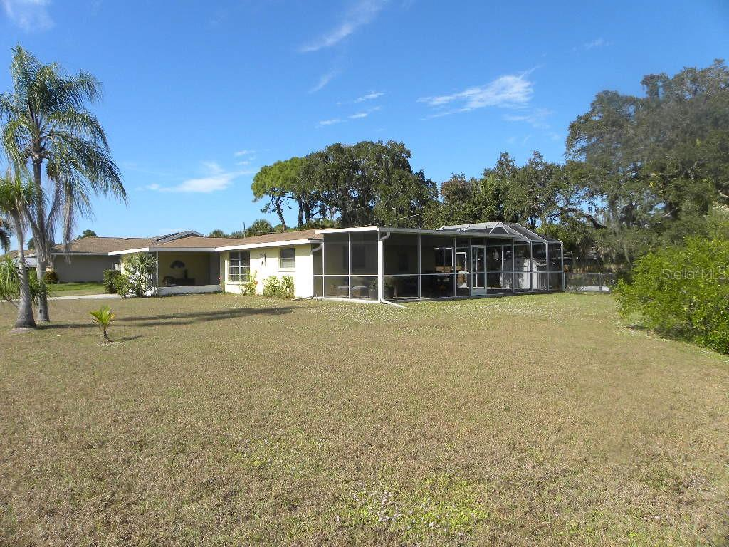Single Family Home for sale at 380 E Wentworth Cir, Englewood, FL 34223 - MLS Number is D6105293