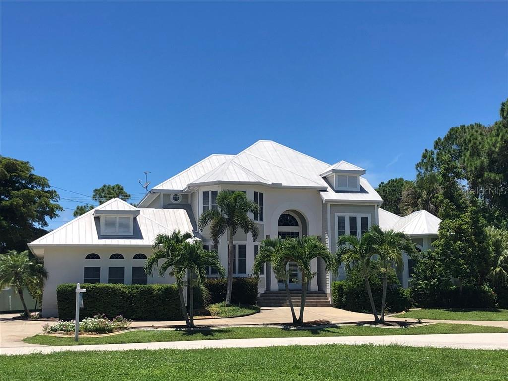 Single Family Home for sale at 10 Cobia Dr, Placida, FL 33946 - MLS Number is D6107322