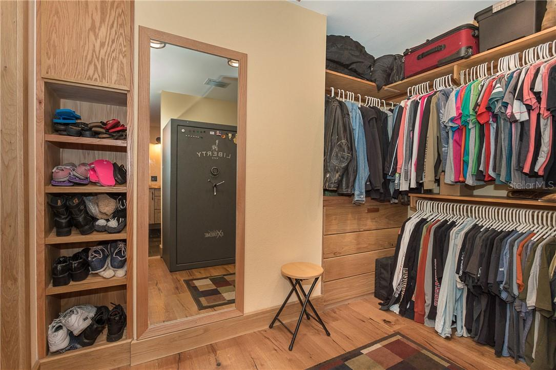 Spacious walk-in closet - Single Family Home for sale at 1199 Seahorse Ln, Englewood, FL 34224 - MLS Number is D6110877