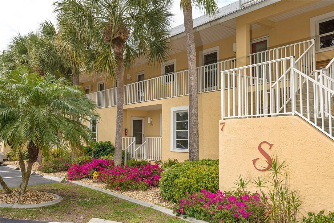 Building 7 unit 229 - Condo for sale at 6610 Gasparilla Pines Blvd #229, Englewood, FL 34224 - MLS Number is D6117434