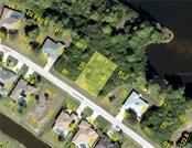 12 Sportsman Cir, Rotonda West, FL 33947