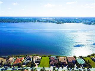 717 Riviera Dunes Way, Palmetto, FL 34221