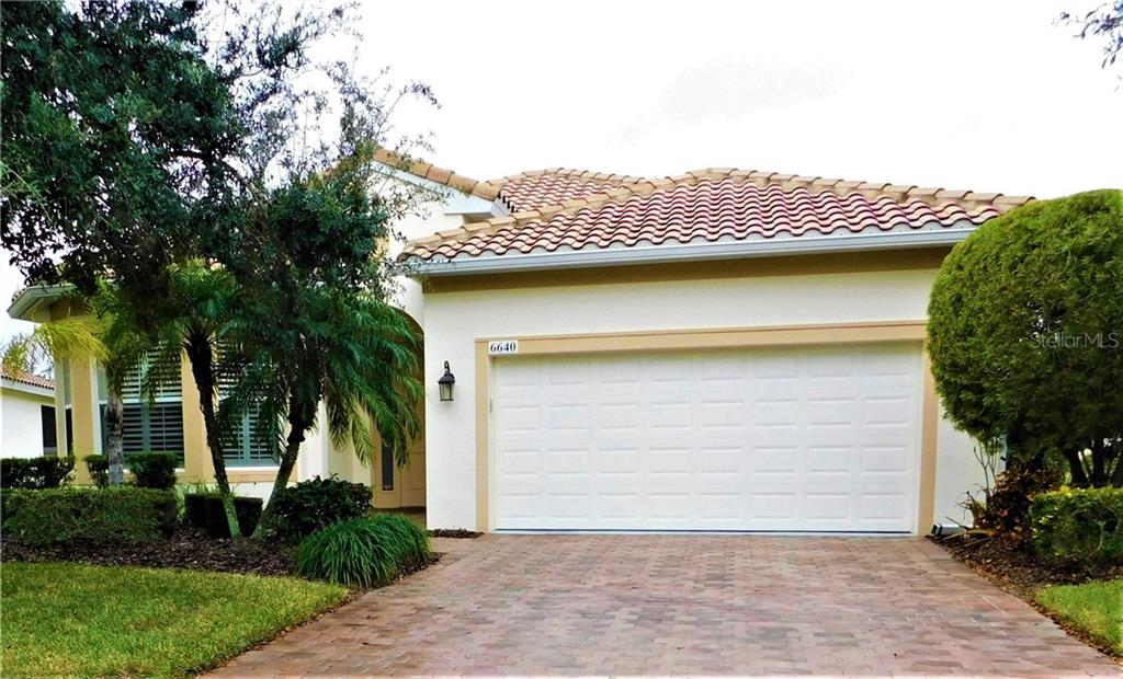 Single Family Home for sale at 6640 41st Street Cir E, Sarasota, FL 34243 - MLS Number is T2928912