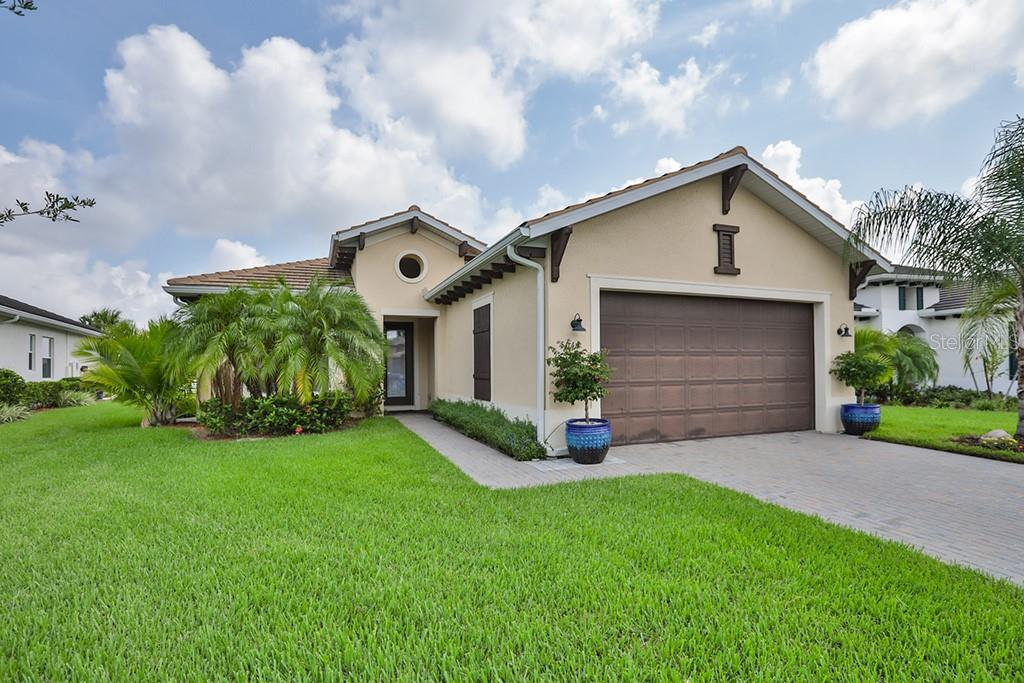 HOA - Single Family Home for sale at 5044 Lake Overlook Ave, Bradenton, FL 34208 - MLS Number is T3115730