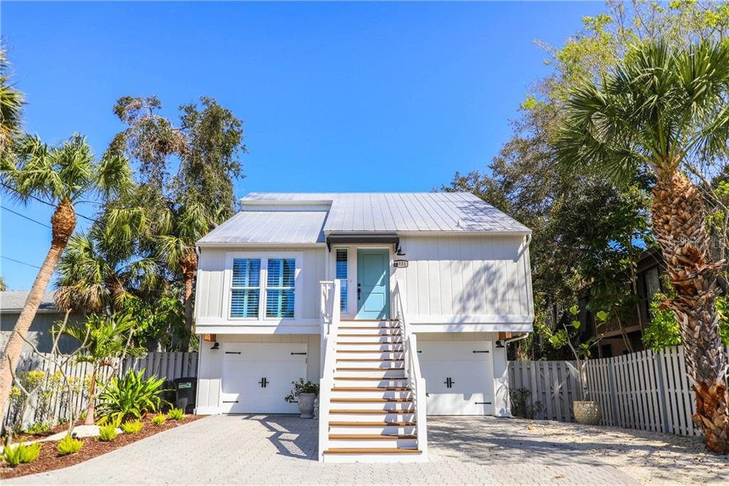 Single Family Home for sale at 4931 Commonwealth Dr, Sarasota, FL 34242 - MLS Number is T3157824