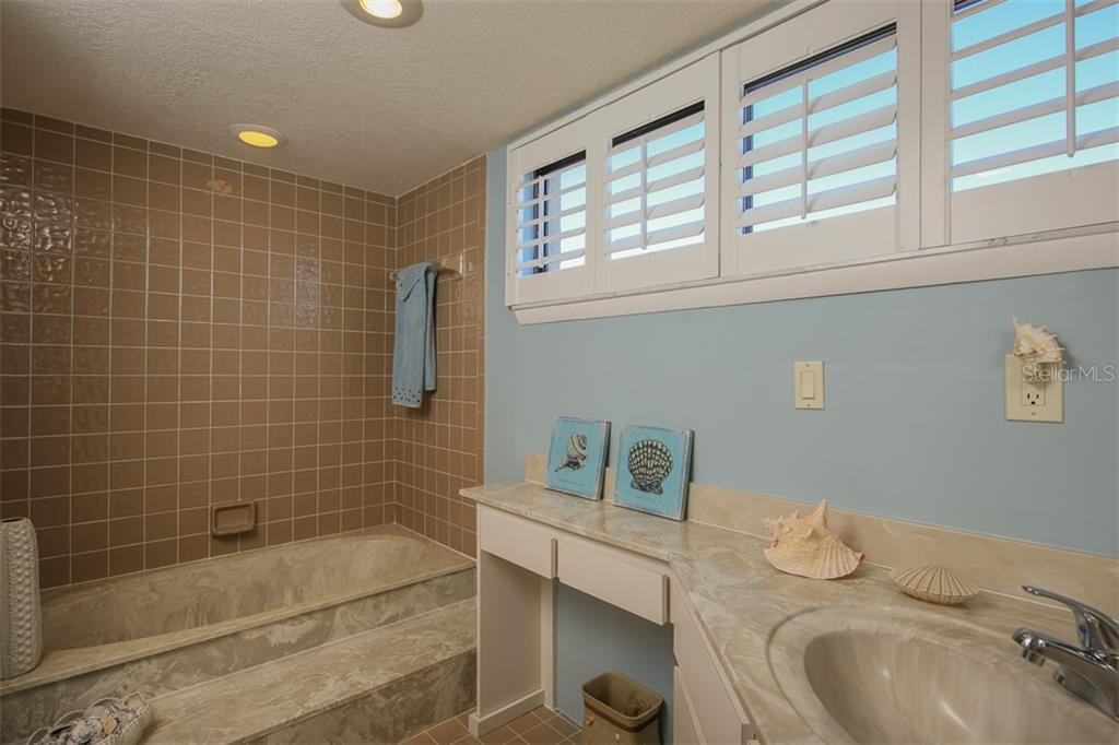 Soaking tub in master bathroom - Condo for sale at 1765 Jamaica Way #302, Punta Gorda, FL 33950 - MLS Number is C7234643