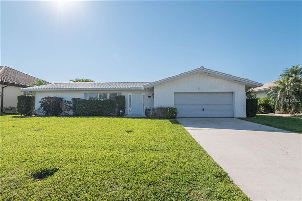 Single Family Home for sale at 2521 Rio Grande Dr, Punta Gorda, FL 33950 - MLS Number is C7235442
