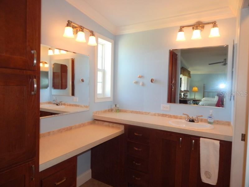 Excellent space in master bath. - Manufactured Home for sale at 11 Holland Ave, Punta Gorda, FL 33950 - MLS Number is C7401035