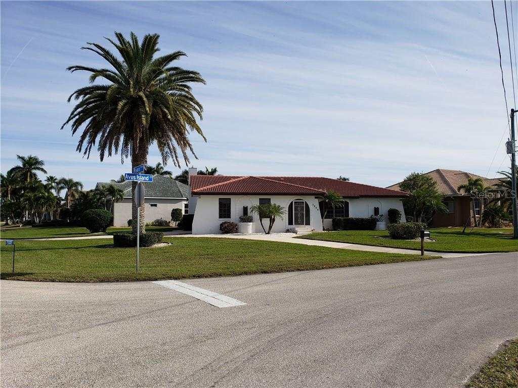 Single Family Home for sale at 3800 Aves Island Ct, Punta Gorda, FL 33950 - MLS Number is C7410517