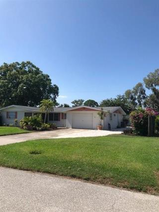 211 Lakeview Ln, Englewood, FL 34223