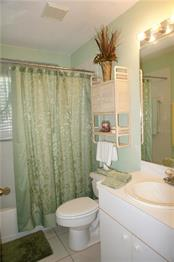 Guest Bathroom - Single Family Home for sale at 112 Big Pine Ln, Punta Gorda, FL 33955 - MLS Number is C7228044