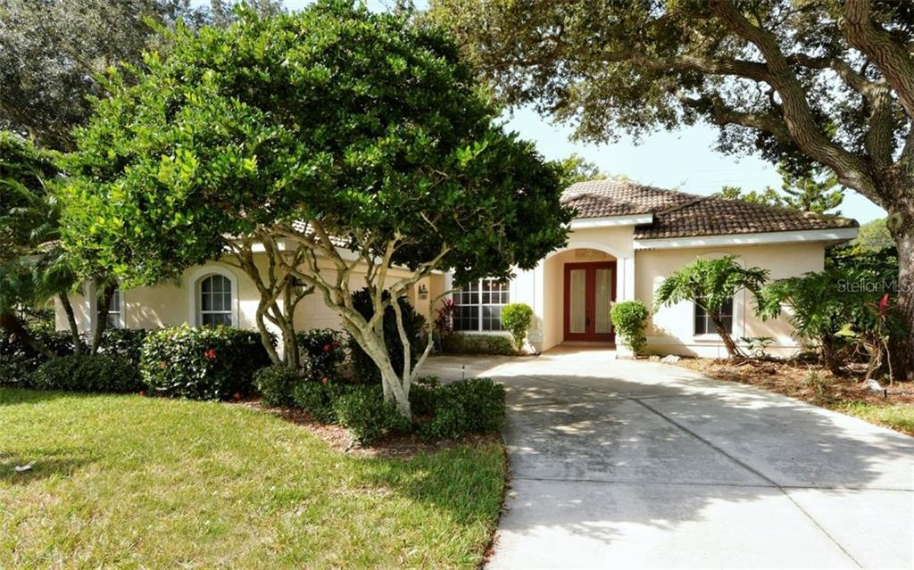 Single Family Home for sale at 6418 Woodbirch Pl, Sarasota, FL 34238 - MLS Number is A4136112