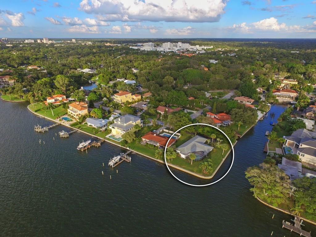 1502 Sandpiper Ln, Sarasota, FL 34239 - photo 1 of 15