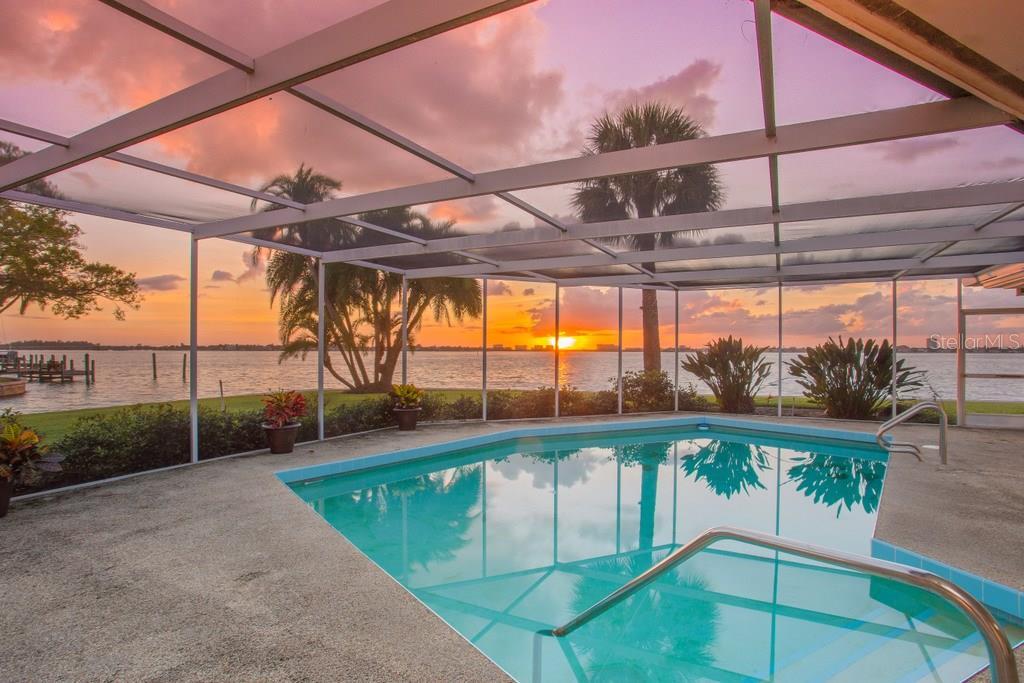 1502 Sandpiper Ln, Sarasota, FL 34239 - photo 11 of 15