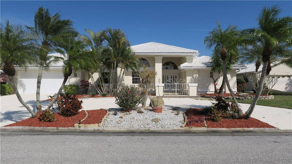 Home street view - Single Family Home for sale at 546 Warwick Ln, Venice, FL 34293 - MLS Number is A4147751