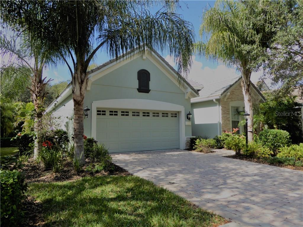 Front - Single Family Home for sale at 12209 Thornhill Ct, Lakewood Ranch, FL 34202 - MLS Number is A4148902