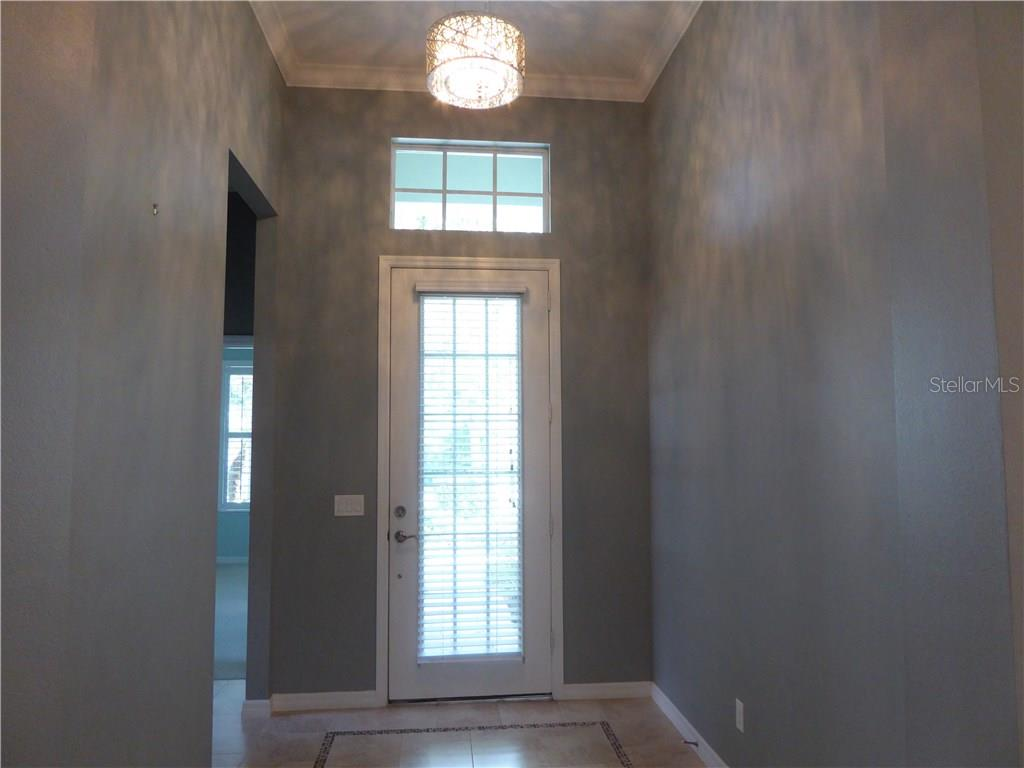 Foyer - Single Family Home for sale at 12209 Thornhill Ct, Lakewood Ranch, FL 34202 - MLS Number is A4148902