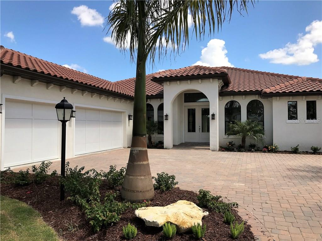 Single Family Home for sale at 5305 Ashton Oaks Ct, Sarasota, FL 34233 - MLS Number is A4155946