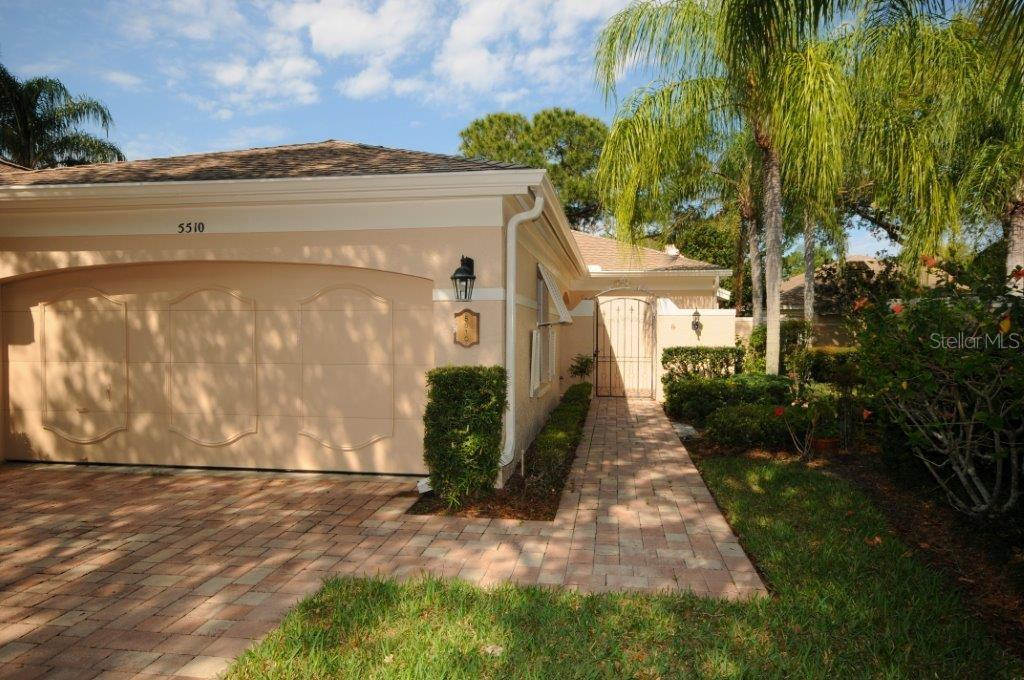 Front exterior - Villa for sale at 5510 Chanteclaire #46, Sarasota, FL 34235 - MLS Number is A4156527