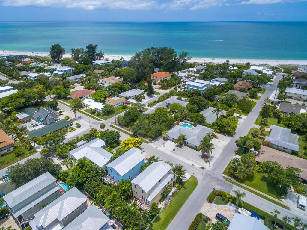 Single Family Home for sale at 4807 2nd Ave, Holmes Beach, FL 34217 - MLS Number is A4157856