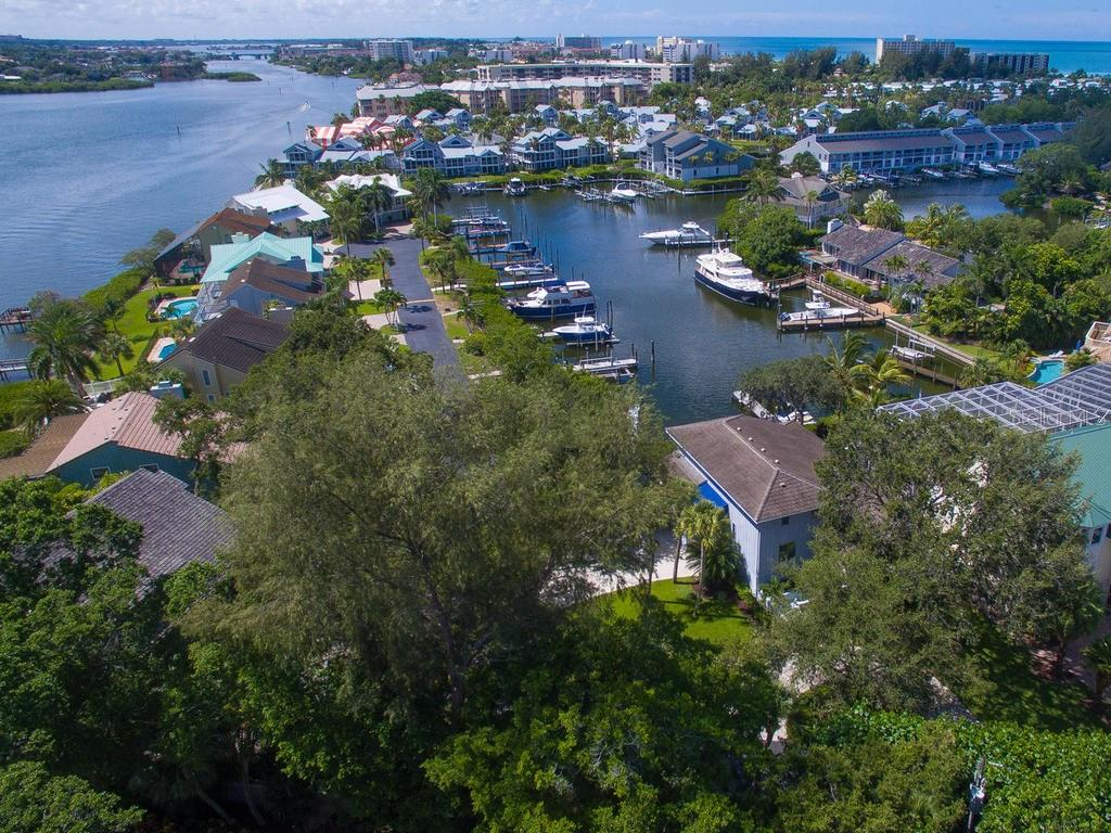 Aerial view and proximity to Little Sarasota Bay - Single Family Home for sale at 1272 Riegels Landing Dr, Sarasota, FL 34242 - MLS Number is A4160033