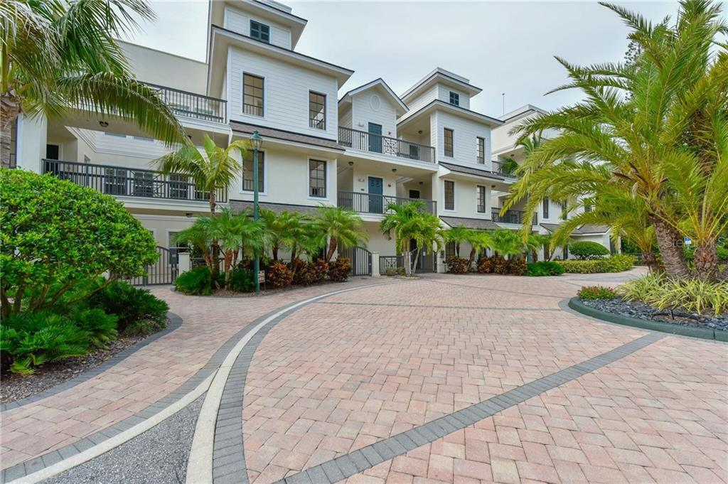 Hudson Crossing, 12 units with boat docks adjacent to Selby botanical Gardens and a short walk to downtown - Condo for sale at 888 S Orange Ave #2c, Sarasota, FL 34236 - MLS Number is A4160071