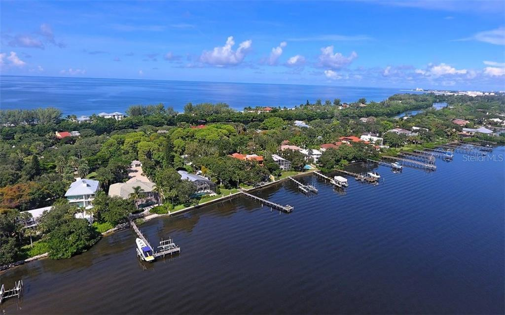 Single Family Home for Sale at 8447 Midnight Pass Rd Sarasota, Florida,34242 United States