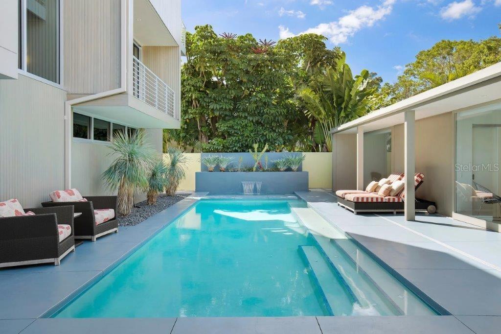 175 Morningside Dr, Sarasota, FL 34236 - photo 11 of 25