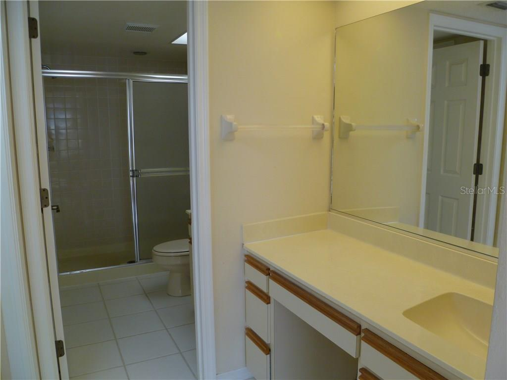 Condo for sale at 5693 Sheffield Greene Cir #49, Sarasota, FL 34235 - MLS Number is A4167007