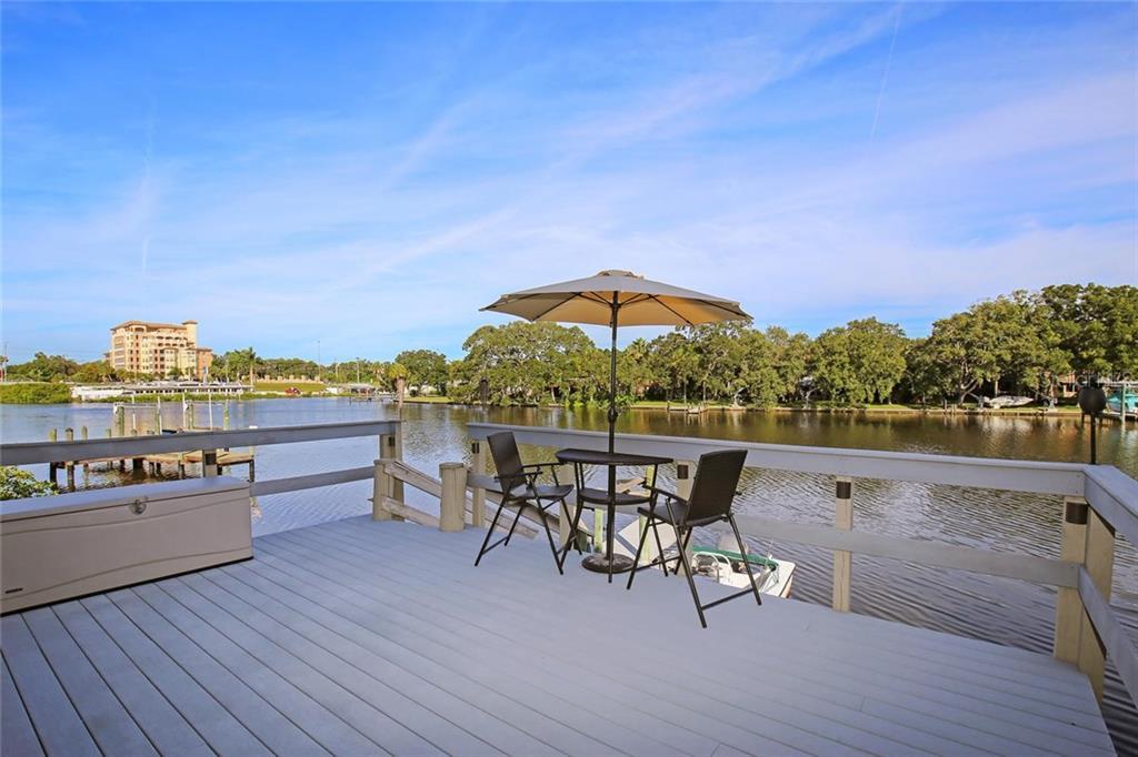 Villas / Townhouses for Sale at 2121 Michele Dr #e-1 Sarasota, Florida 34231 United States