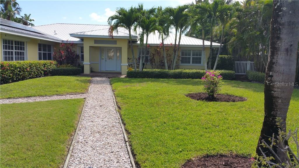 4 pt - Single Family Home for sale at 208 N Polk Dr, Sarasota, FL 34236 - MLS Number is A4168825