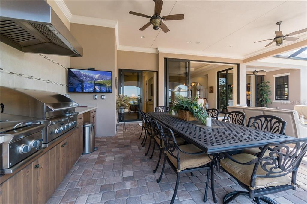 Outdoor kitchen - Single Family Home for sale at 16318 Daysailor Trl, Lakewood Ranch, FL 34202 - MLS Number is A4170081