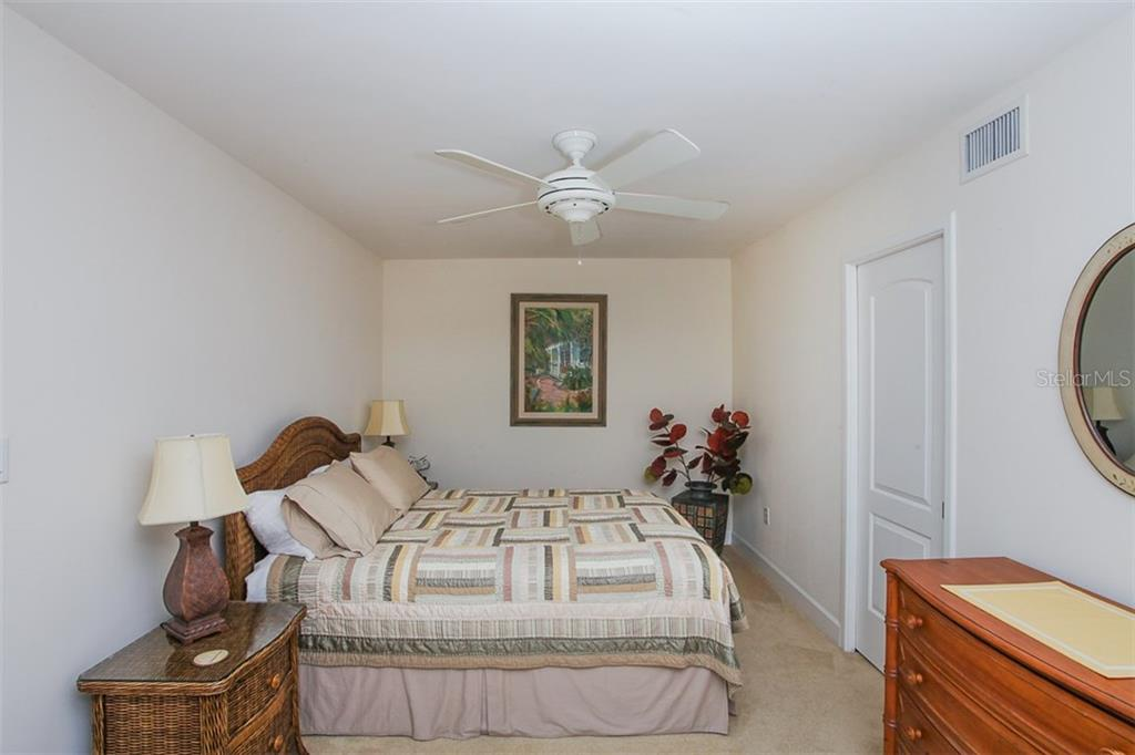 2nd floor guest en suite - Condo for sale at 4900 Ocean Blvd #503, Sarasota, FL 34242 - MLS Number is A4171070