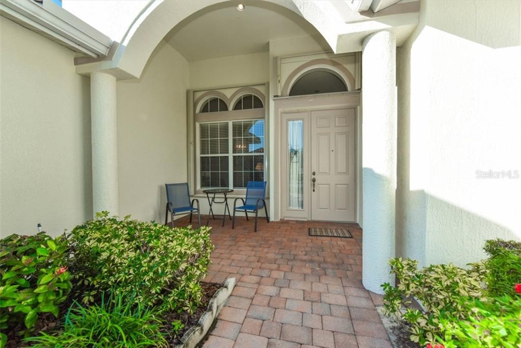 Single Family Home for sale at 4034 65th Pl E, Sarasota, FL 34243 - MLS Number is A4172036