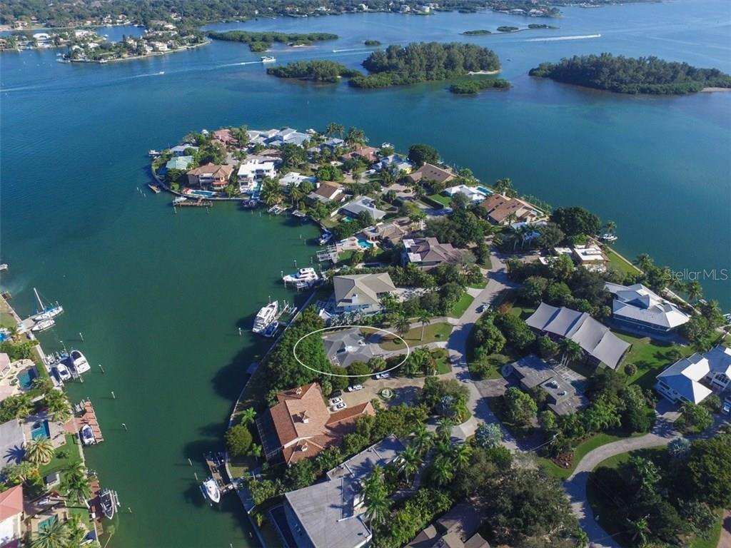 763 Freeling Dr, Sarasota, FL 34242 - photo 1 of 25