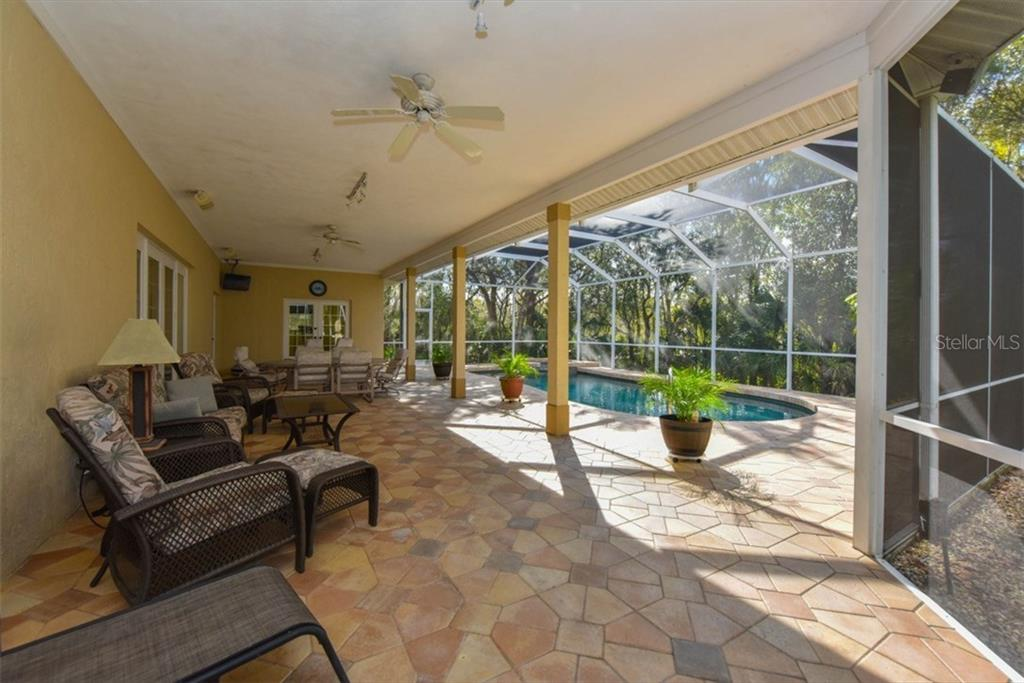 Single Family Home for sale at 7130 Saddle Creek Cir, Sarasota, FL 34241 - MLS Number is A4173612