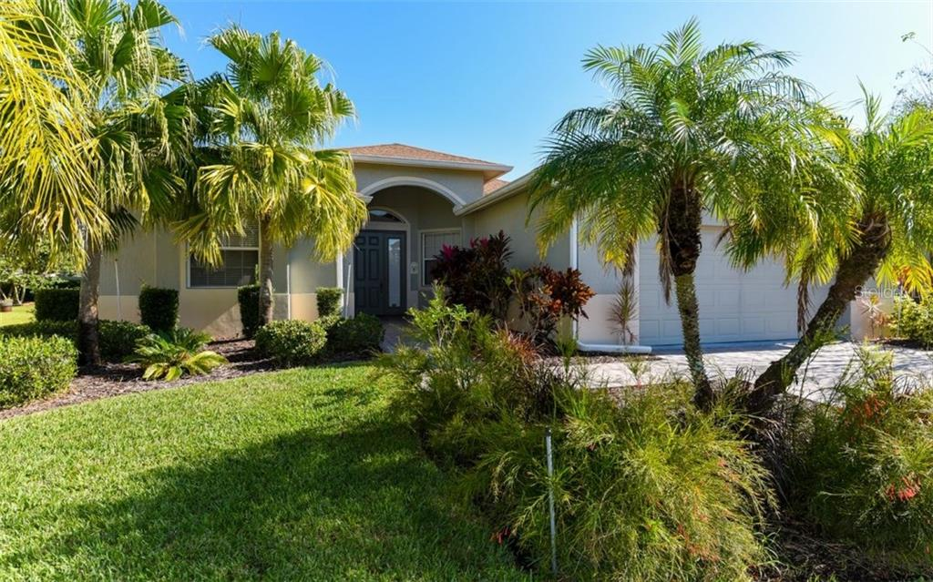 Front Elevation - Single Family Home for sale at 6531 38th Ln E, Sarasota, FL 34243 - MLS Number is A4174191