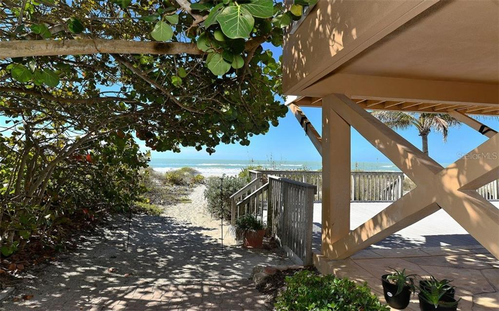 Single Family Home for Sale at 2837 Gulf Of Mexico Dr Longboat Key, Florida,34228 United States