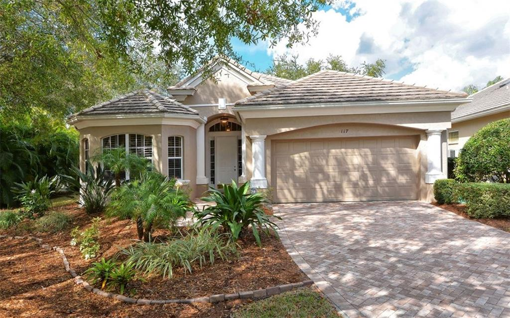 Single Family Home for sale at 117 Bayhead Ln, Osprey, FL 34229 - MLS Number is A4176034