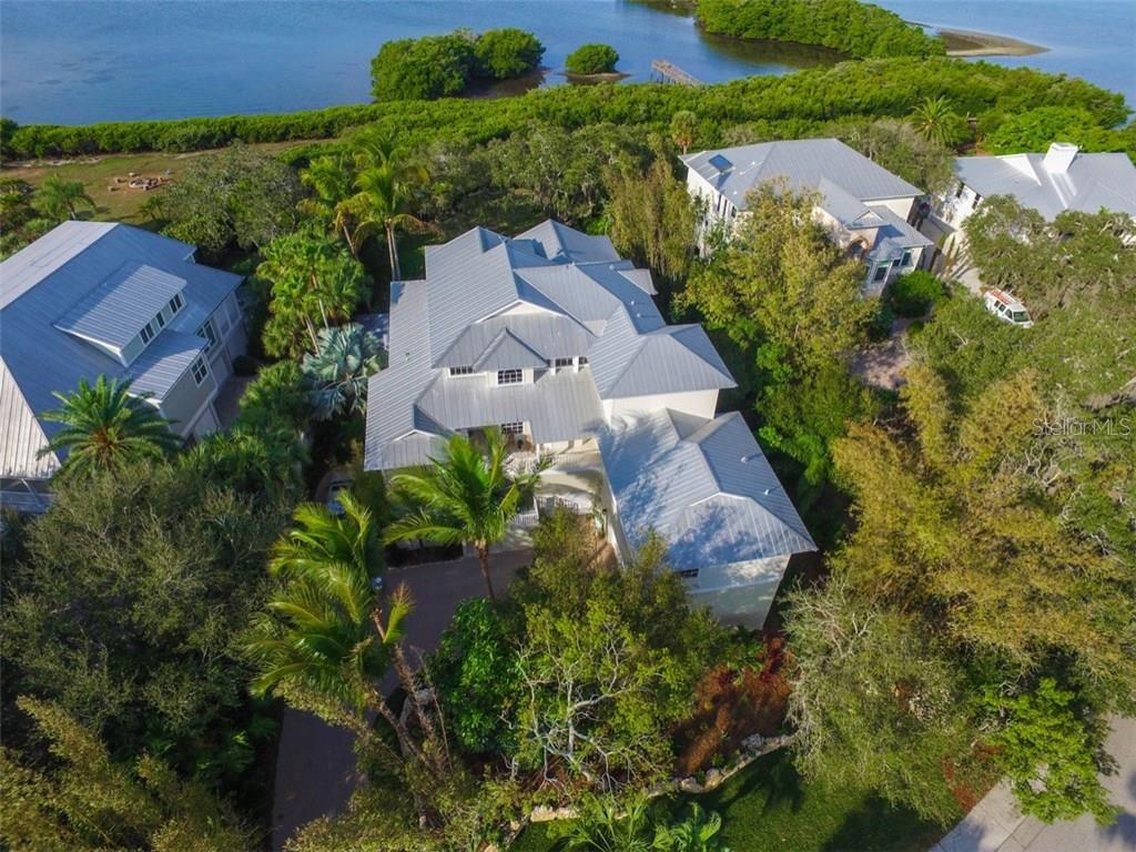 Single Family Home for sale at 8834 Fishermens Bay Dr, Sarasota, FL 34231 - MLS Number is A4176178