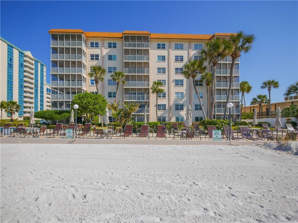 800 Benjamin Franklin Dr #111, Sarasota, FL 34236 - photo 1 of 22