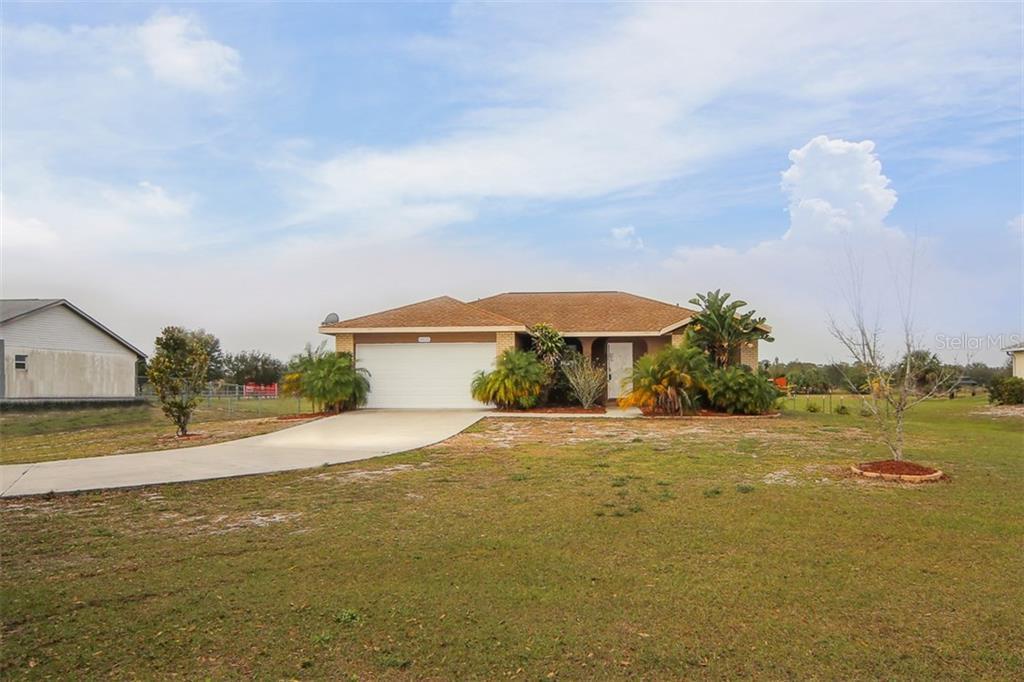Address Withheld, Palmetto, FL 34221 - photo 1 of 22