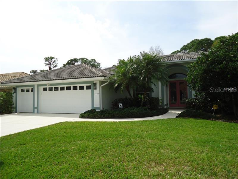 Home Owner's Association - Single Family Home for sale at 7404 Links Ct, Sarasota, FL 34243 - MLS Number is A4178301