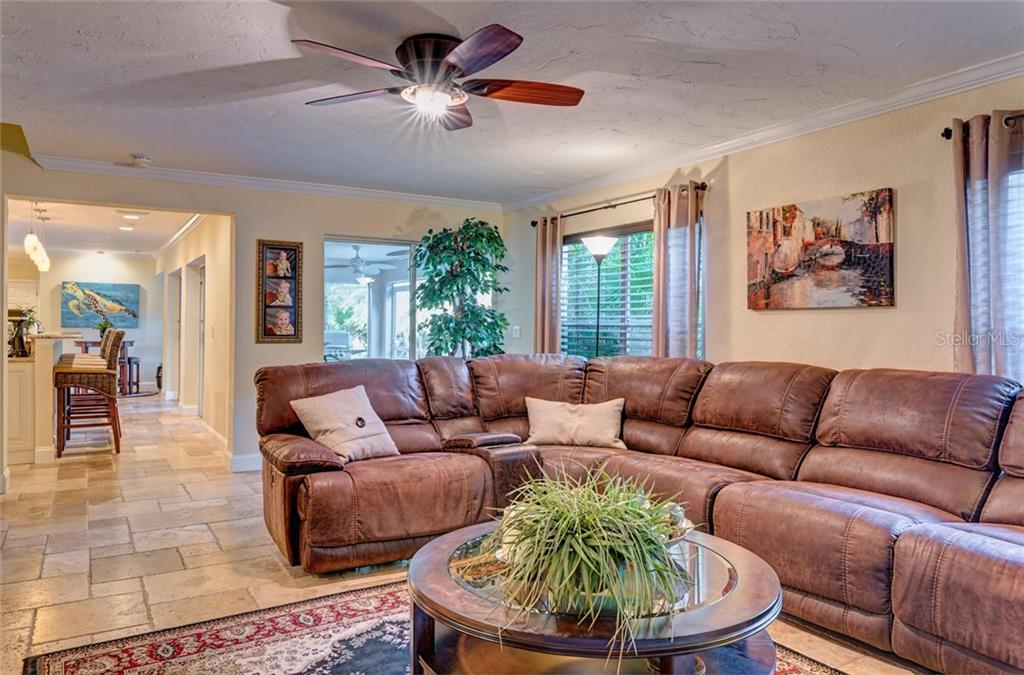 Single Family Home for sale at 1359 Harbor Dr, Sarasota, FL 34239 - MLS Number is A4178661
