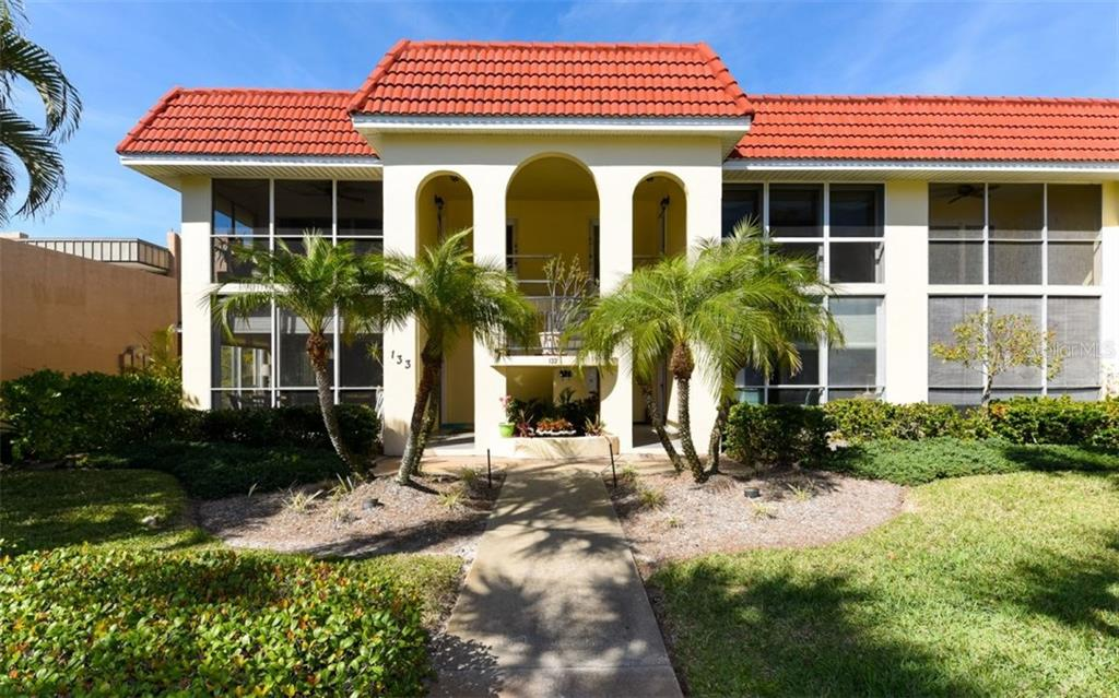 Exterior front - Condo for sale at 133 Avenida Messina #4, Sarasota, FL 34242 - MLS Number is A4179566